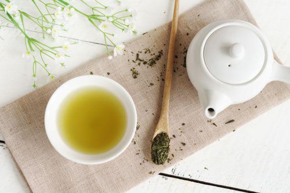 Welches ist besser roter Tee oder grüner Tee, um Gewicht zu verlieren