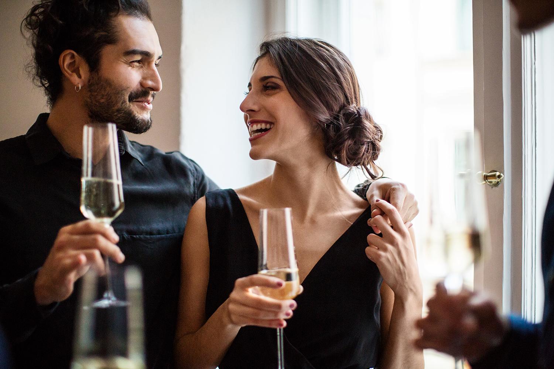 Dating: Wenn du diese Anzeichen erkennst, findet er dich