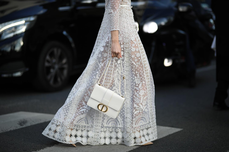 Frauen ab 20: Diese schönen Hochzeitskleider setzen sie stilvoll