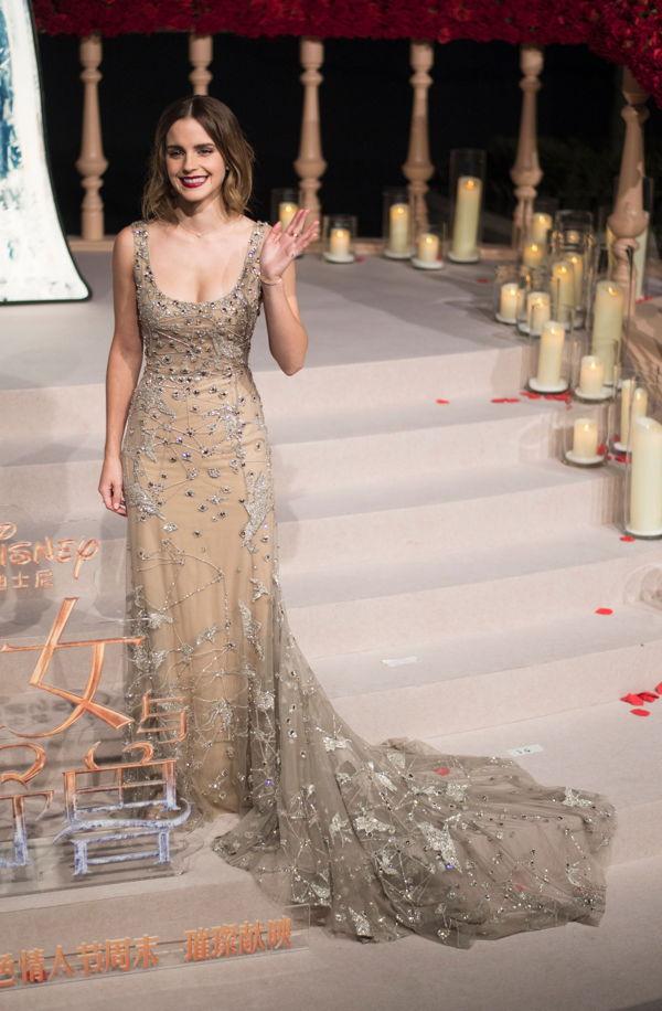 What? Emma Watson trägt DAS Oscar-Kleid und kommt nicht ...