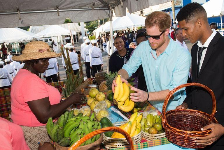 Prinz Harry Meghan Markle Steht Das Thema Ihrer Hochzeitstorte Fest