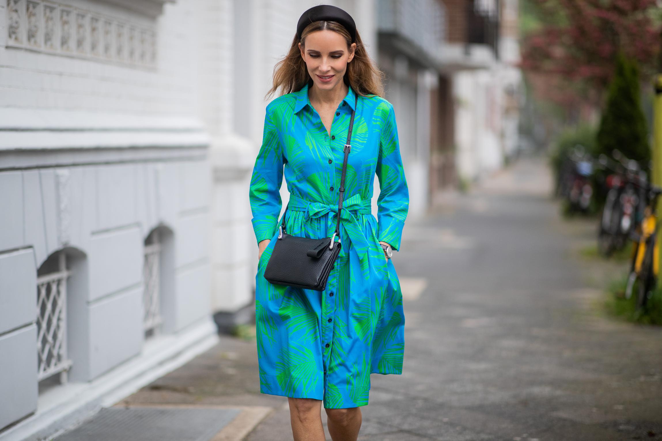 frauen ab 40: das sind die schönsten kleider-trends für den
