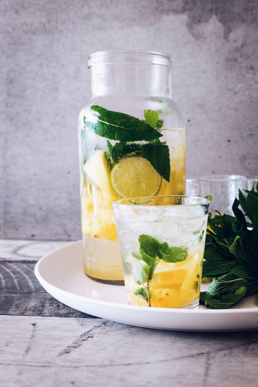 Kaltes Wasser trinken dient zum Abnehmen